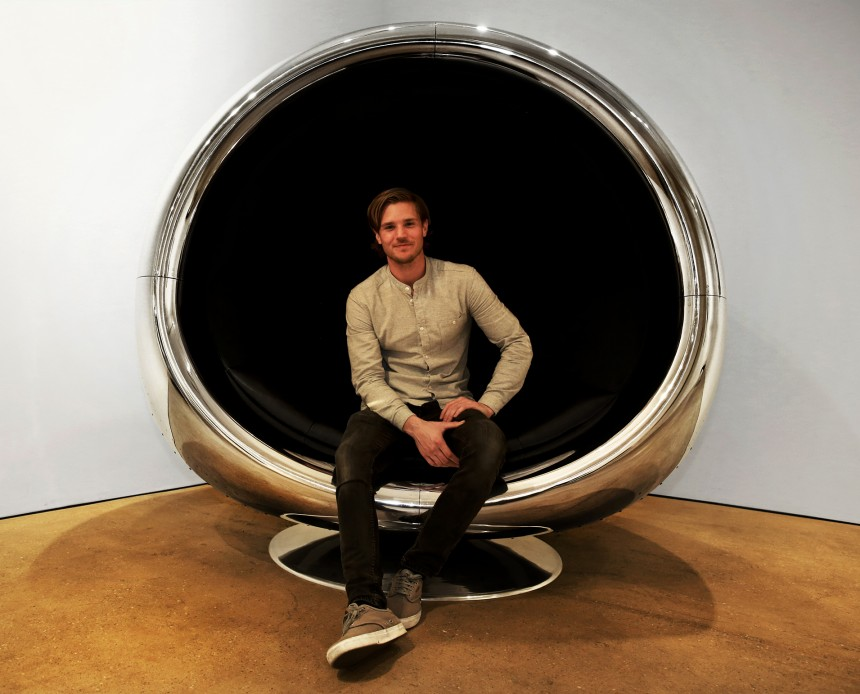 737 COWLING CHAIR MADE FROM A BOEING