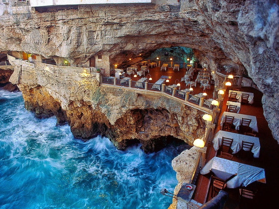 GROTTA PALAZZESE RESTAURANT ITALY