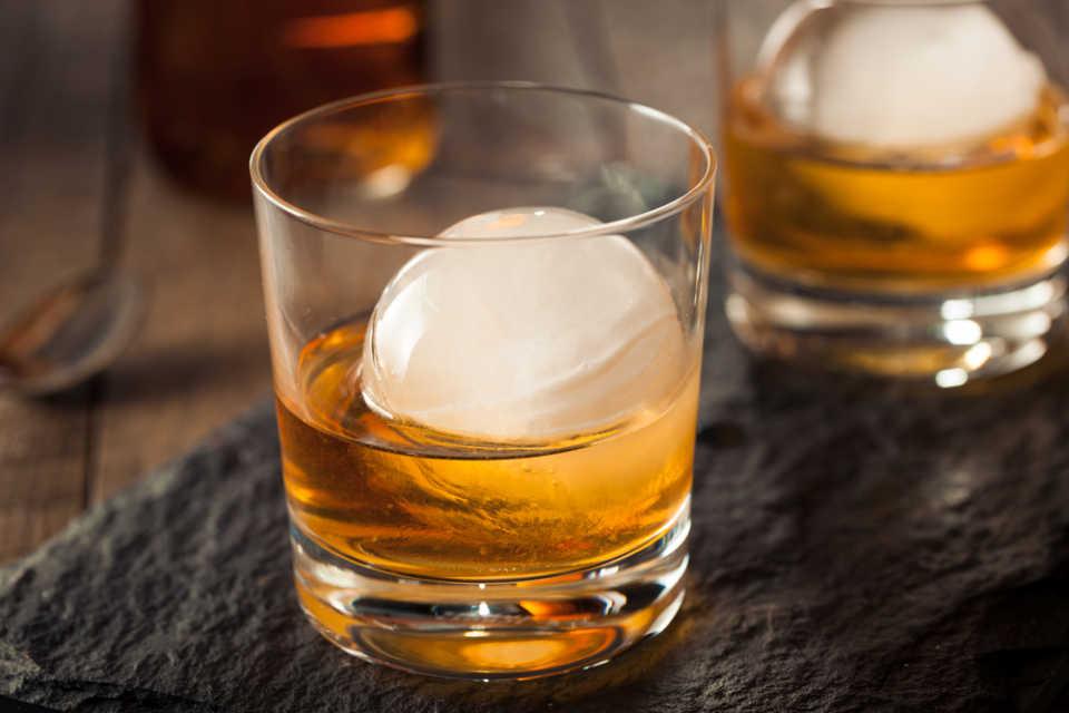 Whiskey ice ball maker